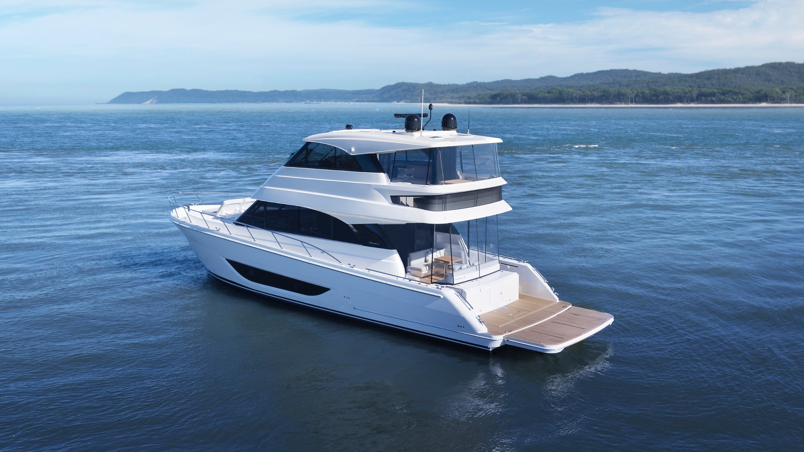 Maritimo M55 Flybridge anchored and pictured from behind