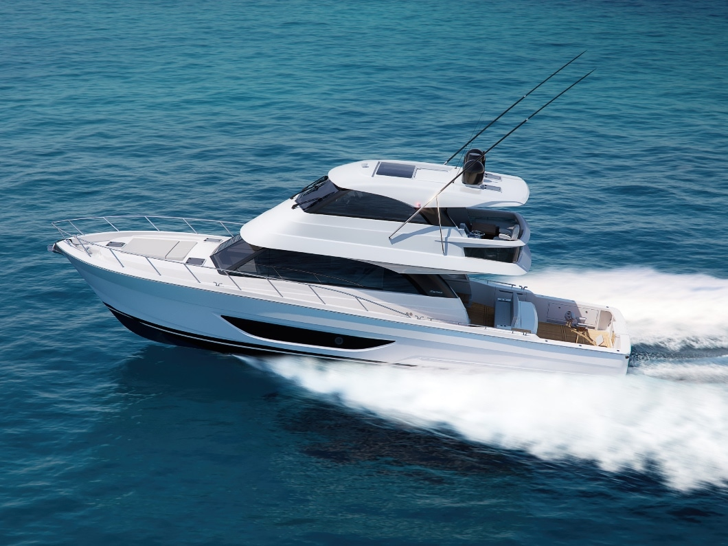 Maritimo M600 Cruising on open water and pictured from the left