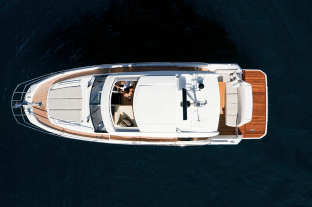 aerial view of the Prestige 420S