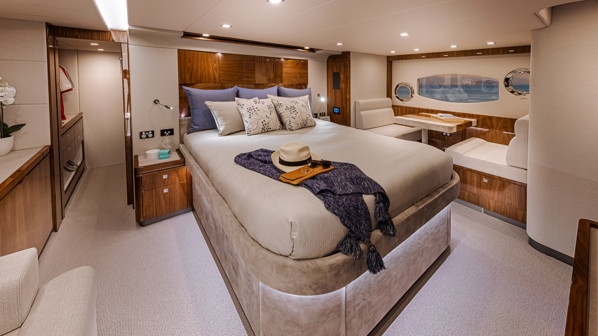 The Presidential stateroom on board the Riviera 6000 Sports Yacht Platinum Edition