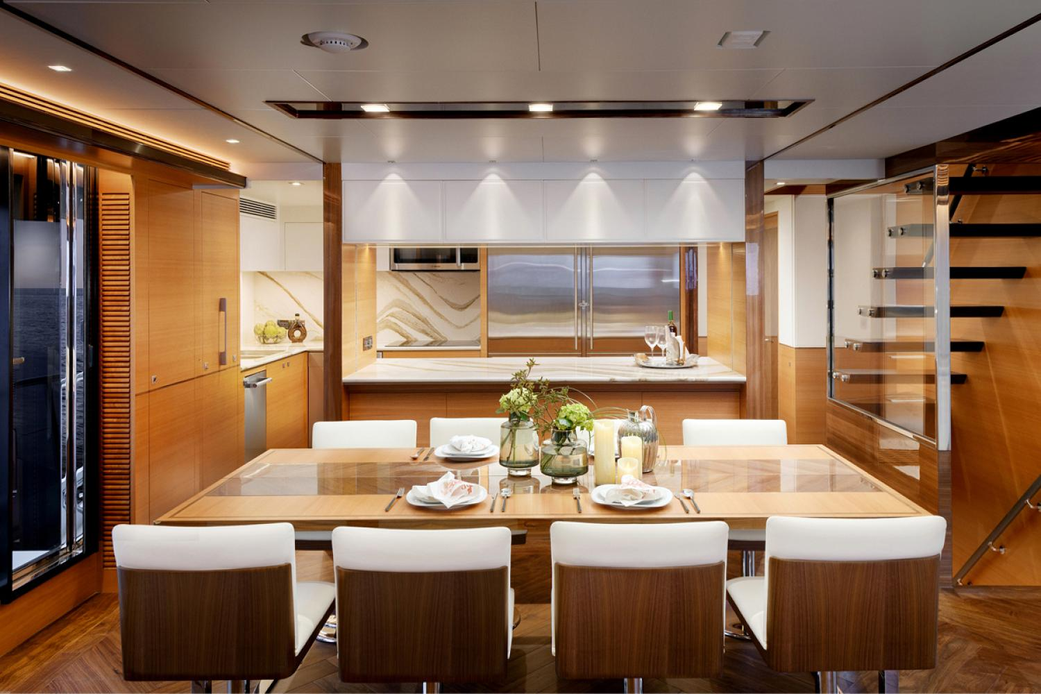 dining area onboard the Horizon FD87