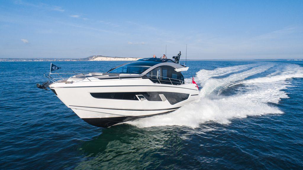 Sunseeker 65 Sports Yacht cruising
