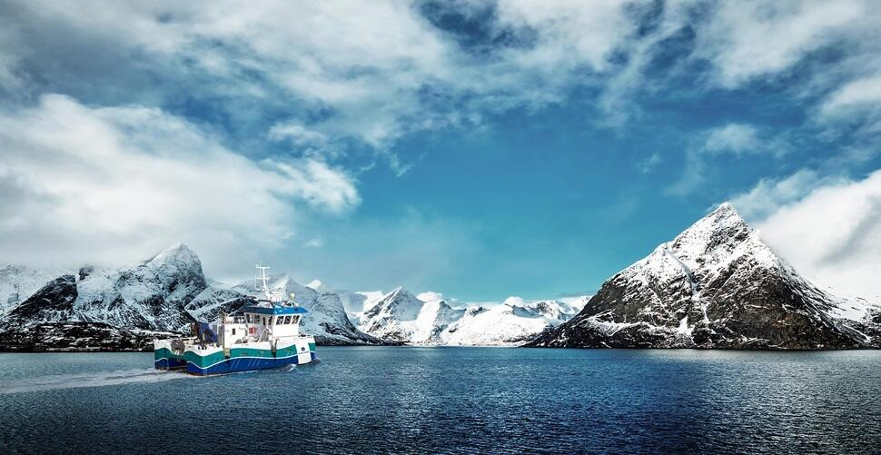 wide angle of ship cruising in arctic environment