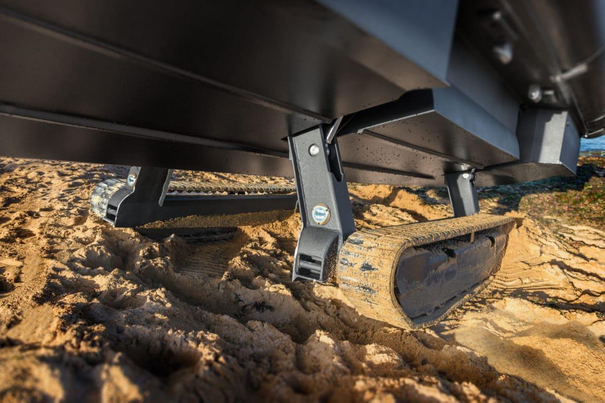 close up of landing system on the Iguana