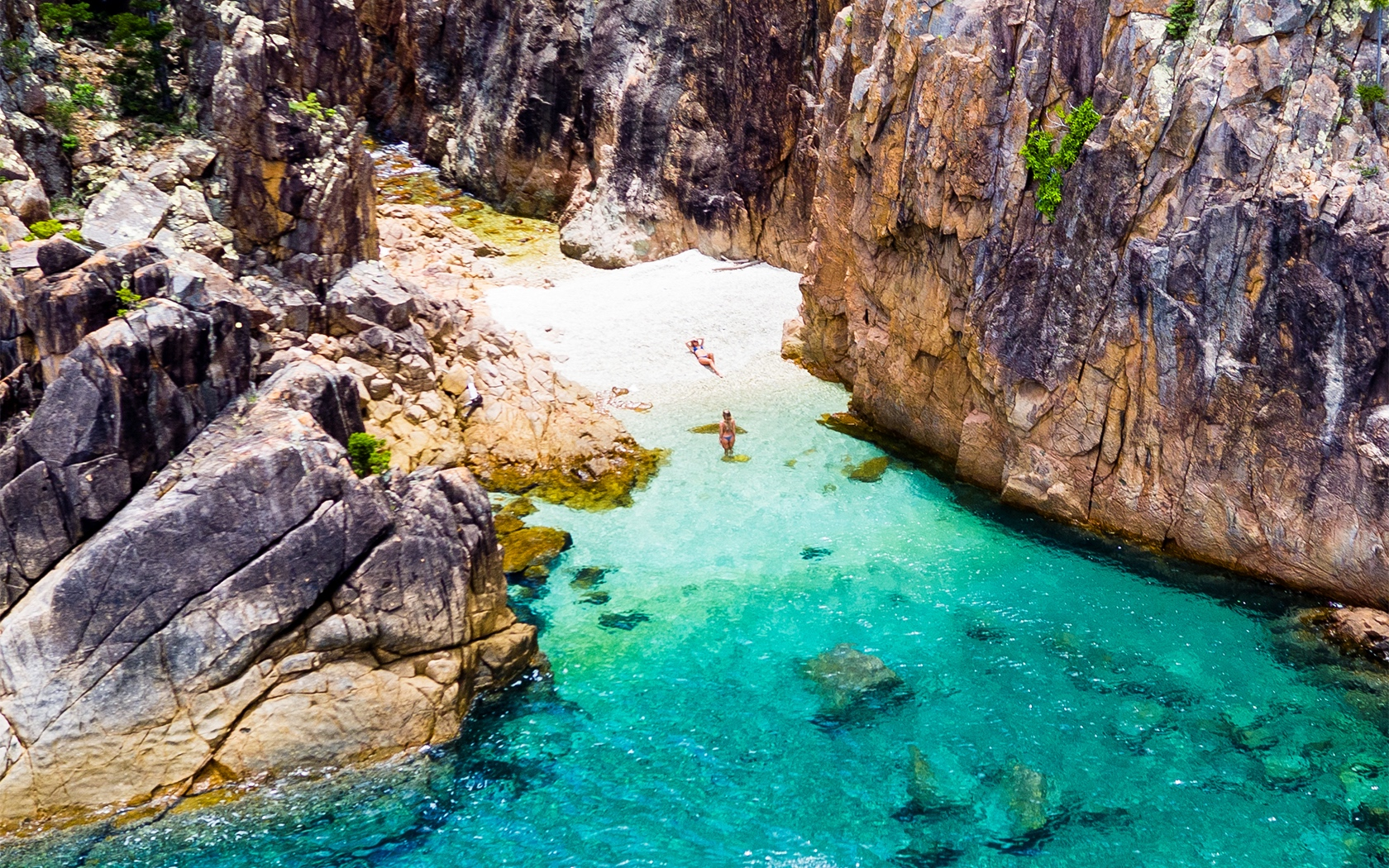Whitsundays hidden beach
