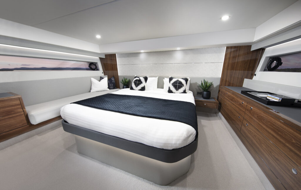 master suite onboard Maritimo S55