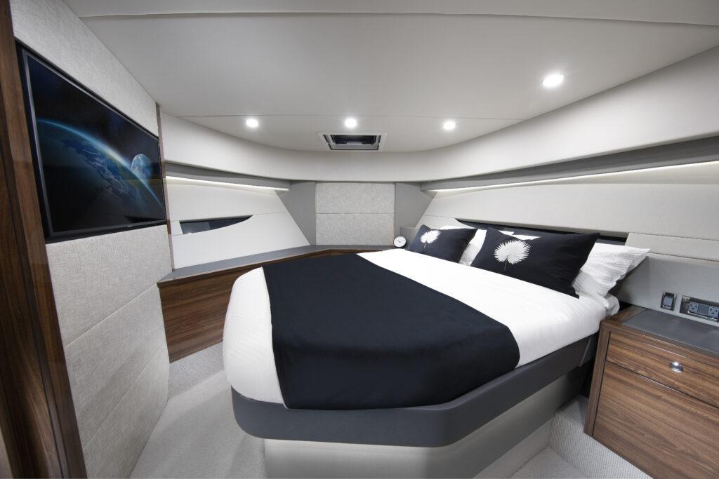 queen suite onboard the Maritimo S55
