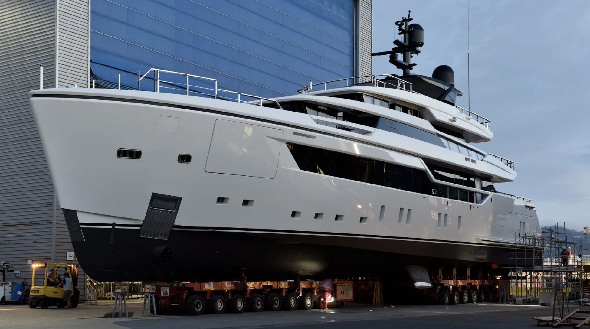Sanlorenzo 44 Alloy being launched from the shipyard