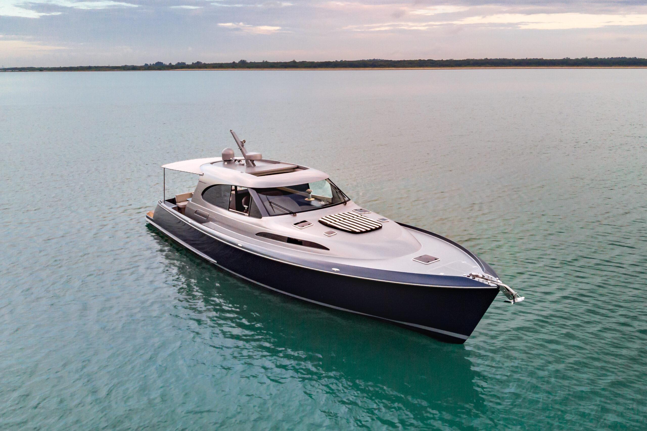 Palm Beach GT60 anchored