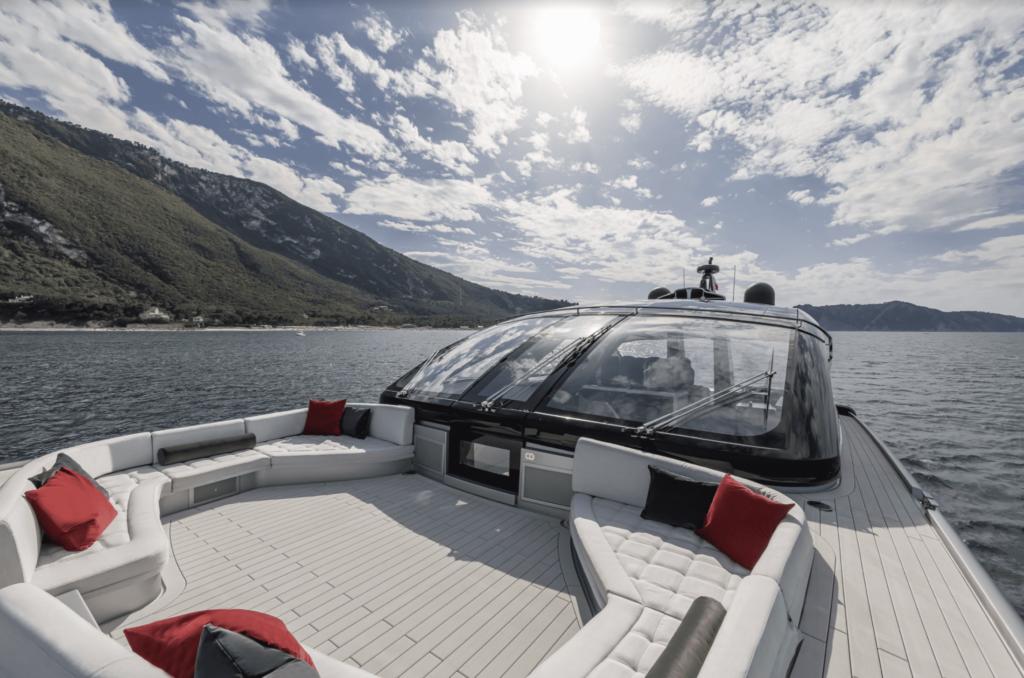 ISA Super Sportivo 100 GTO entertainment deck