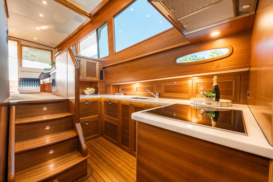 galley onboard GB54