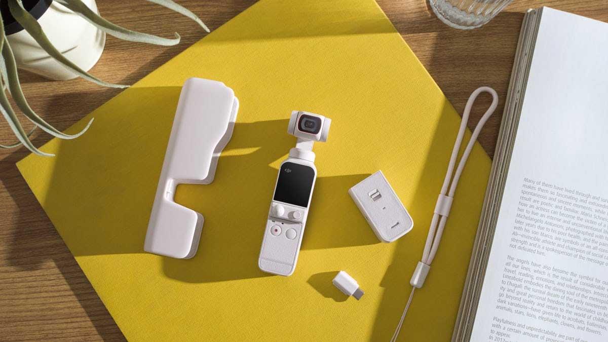DJI Pocket 2 Sunset White on table
