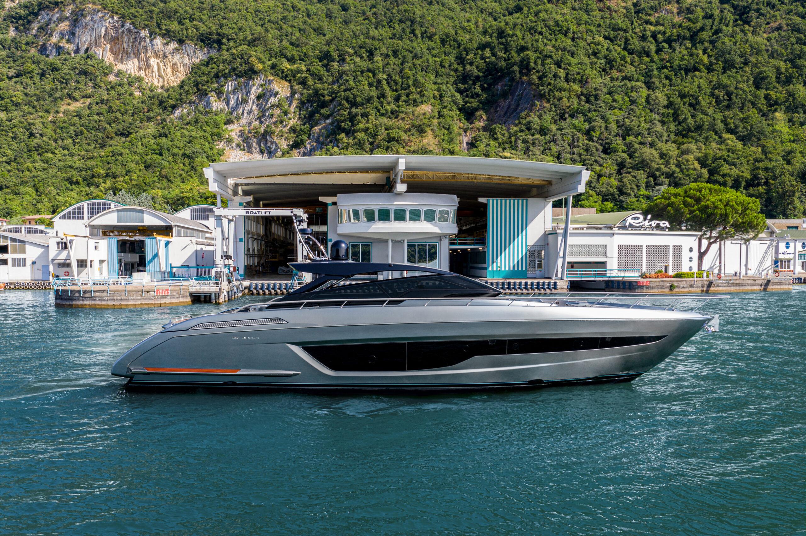 Riva 68 side profile on Lake Iseo
