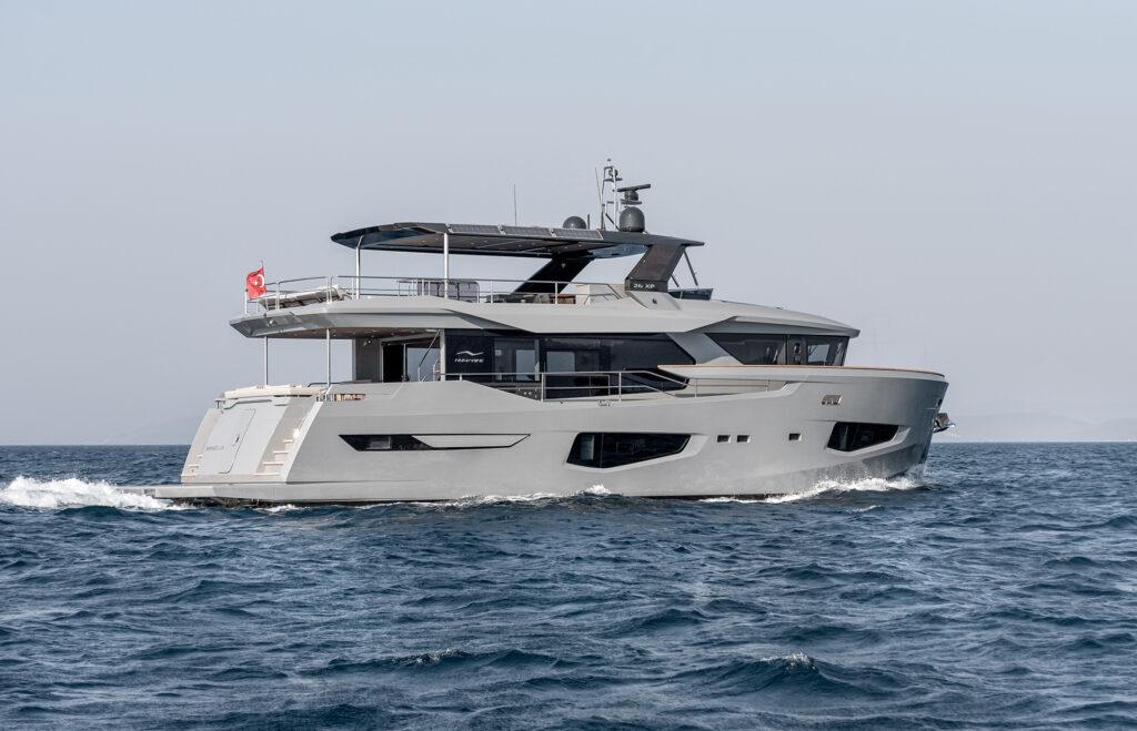 26XP from. Numarine cruising