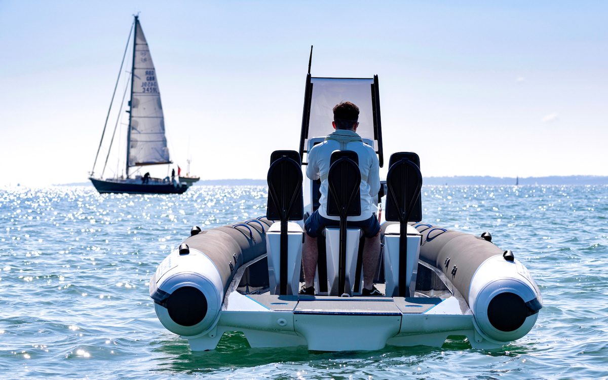RS Pulse 63 pictured cruising from the rear