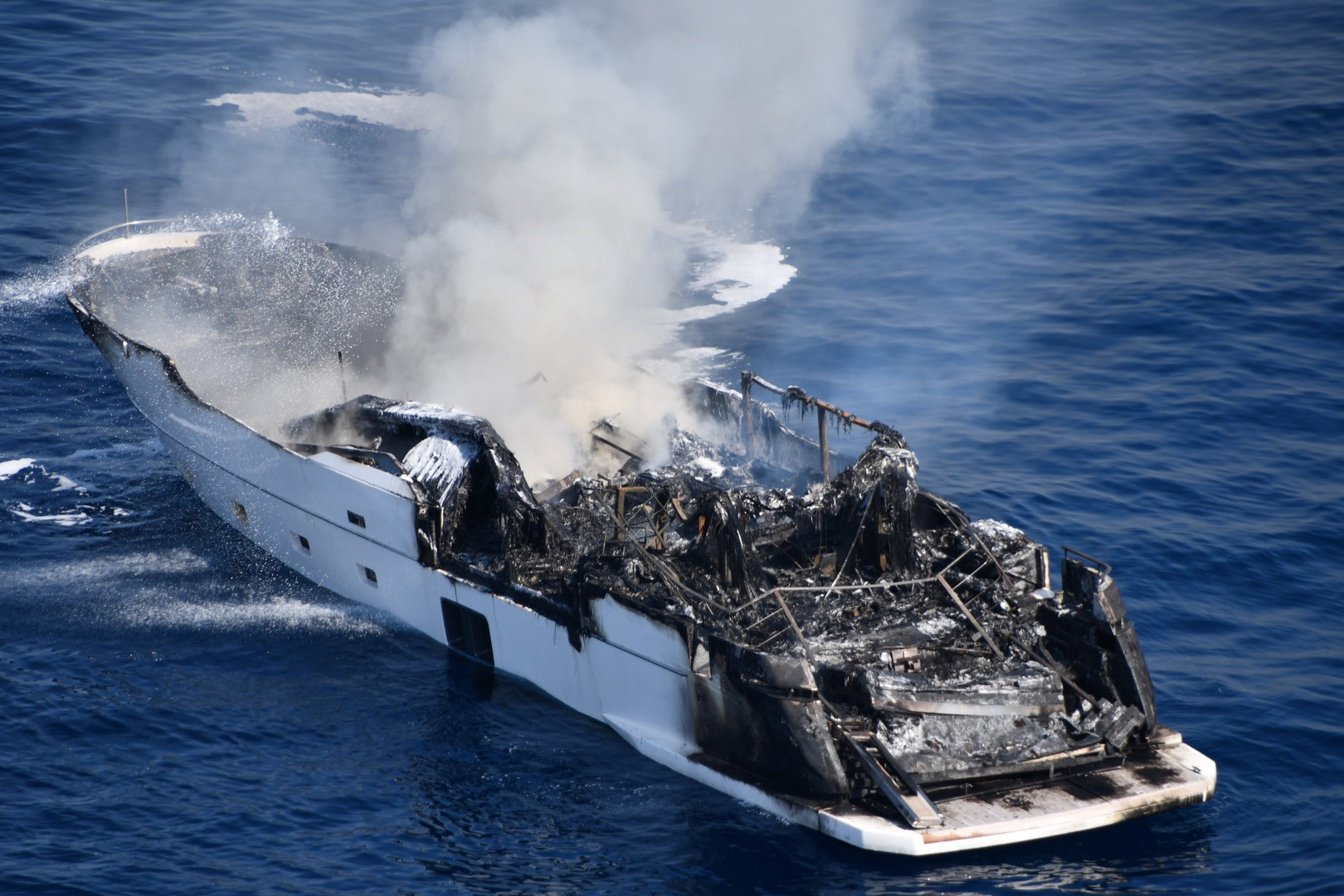 image of a yacht fire in the South of France