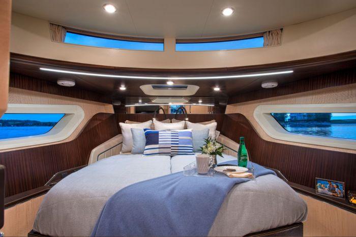 Master suite onboard Burger 50 Cruiser