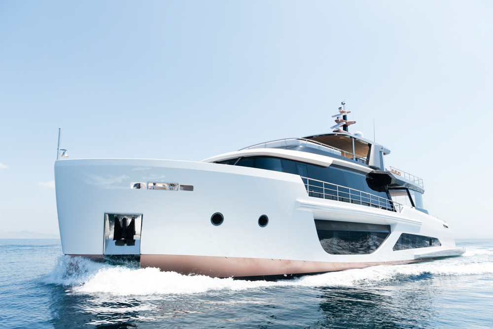 Spritz 102 from Alpha Yachts
