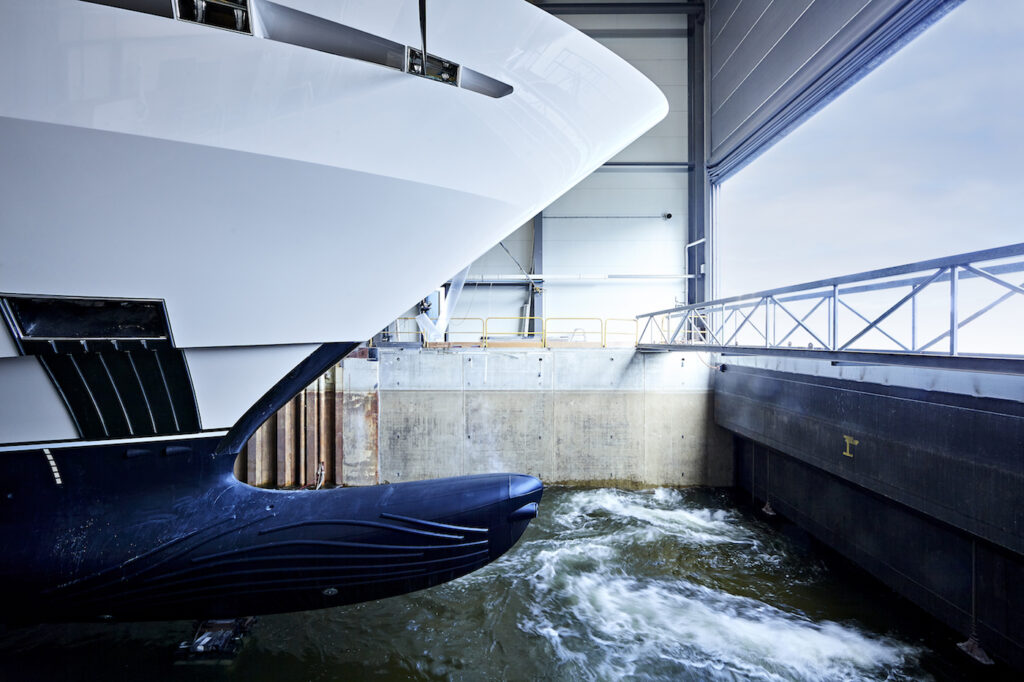 Project Falcon from Heesen Yachts touching water for the first time