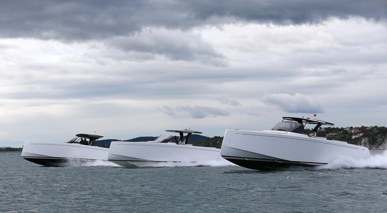 Eyachts boats cruising in unison