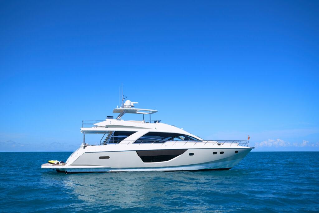 CL Yachts CLA76 side profile