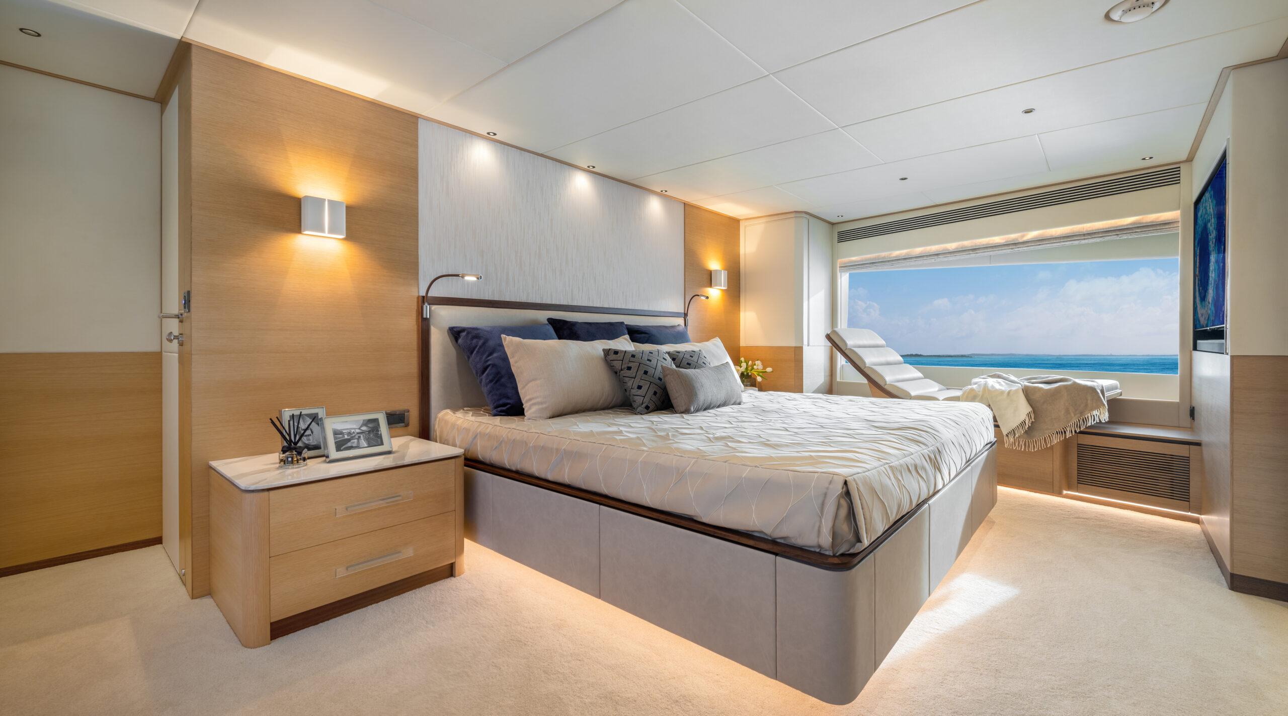 Horizon FD90 master suite