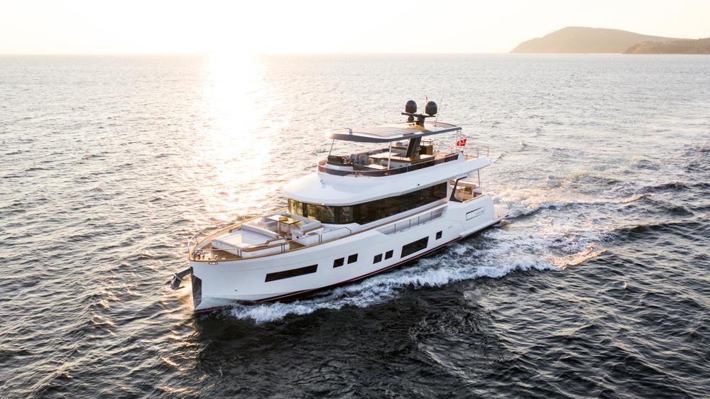 Sirena 68 cruising