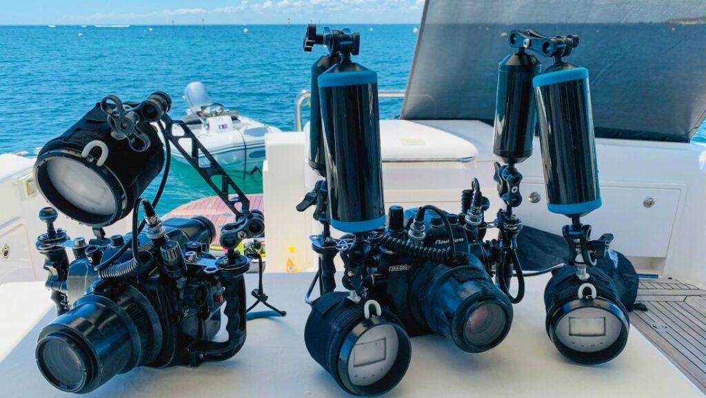 Underwater camera equipment