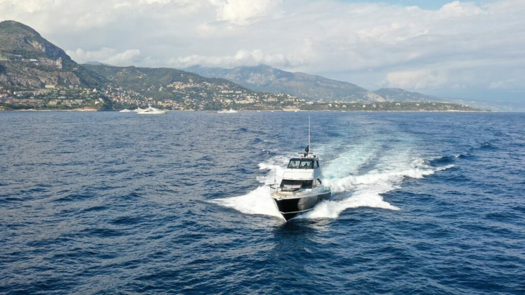 Riviera 52 cruising forwards