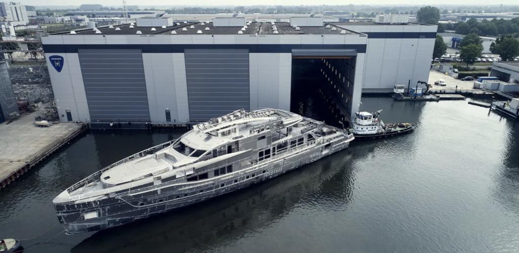 Heesen Project Skyfall leaving the shipyard