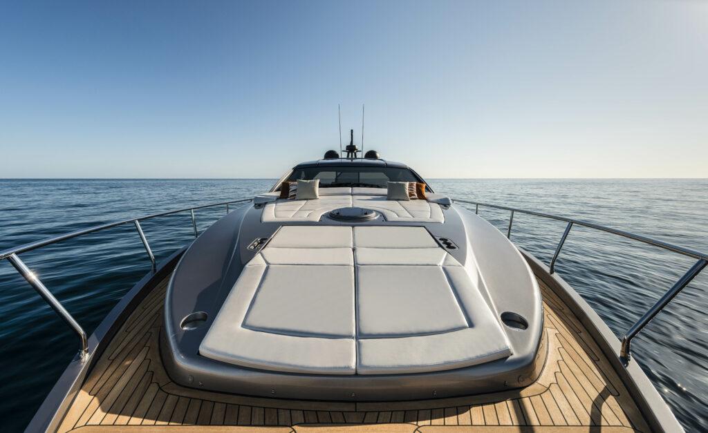 Pershing 6X top deck sunbed