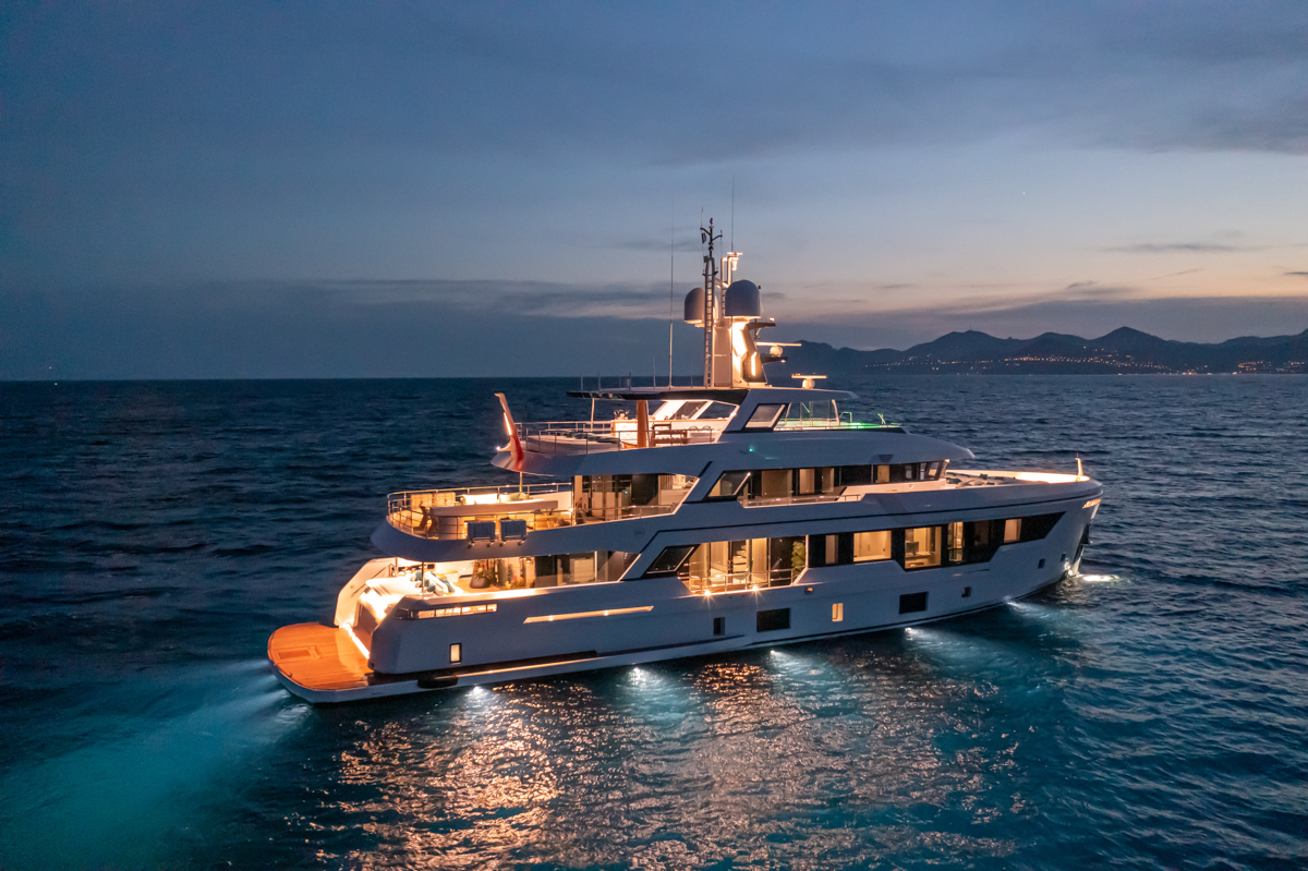 RSY 38m EXP M/Y EMOCEAN anchored at dusk from side