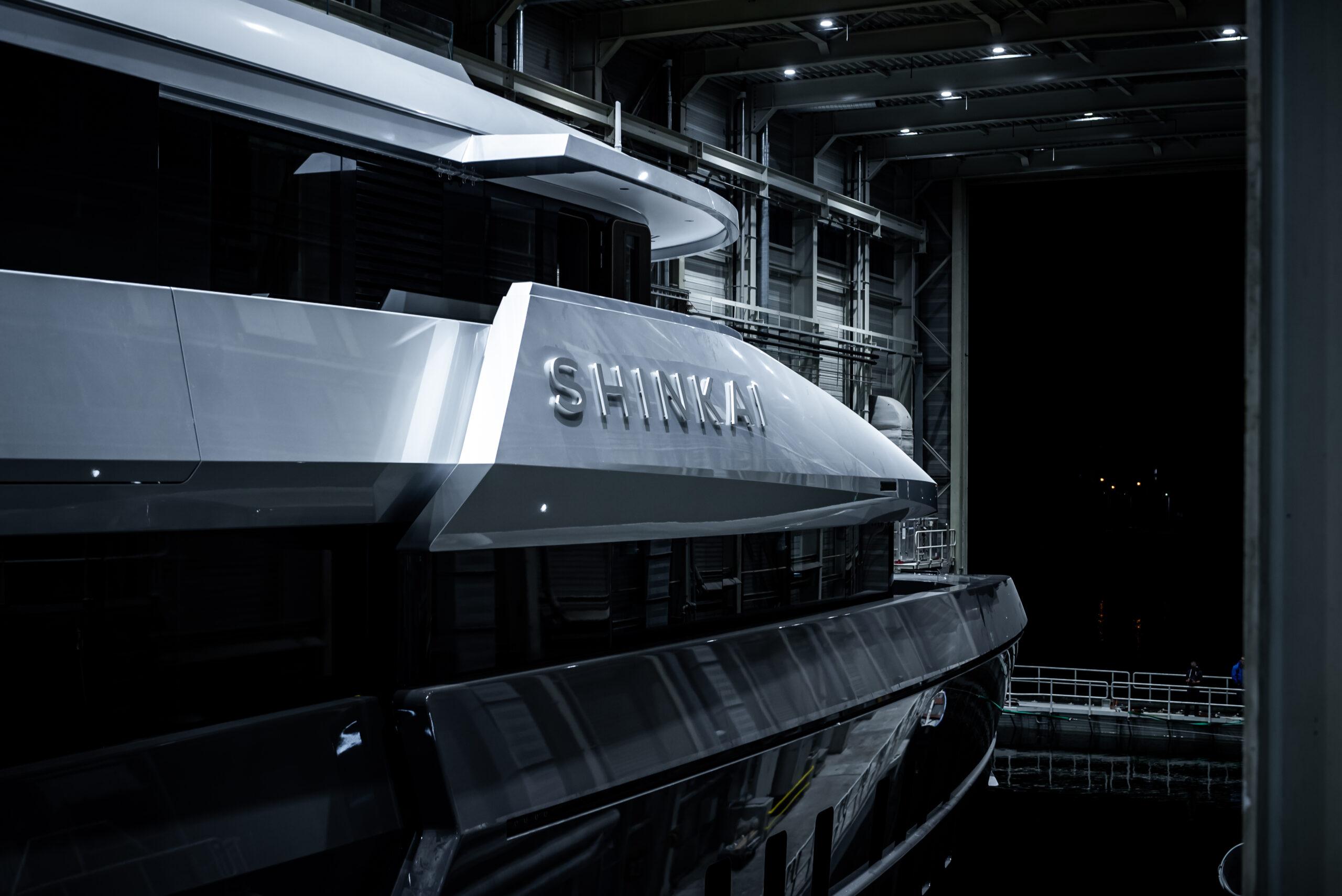 Shinkai from Vitruvius Yachts rear close up angle