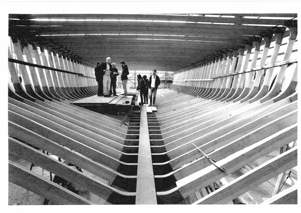 Zaterra 24m hull under construction with team inside beams
